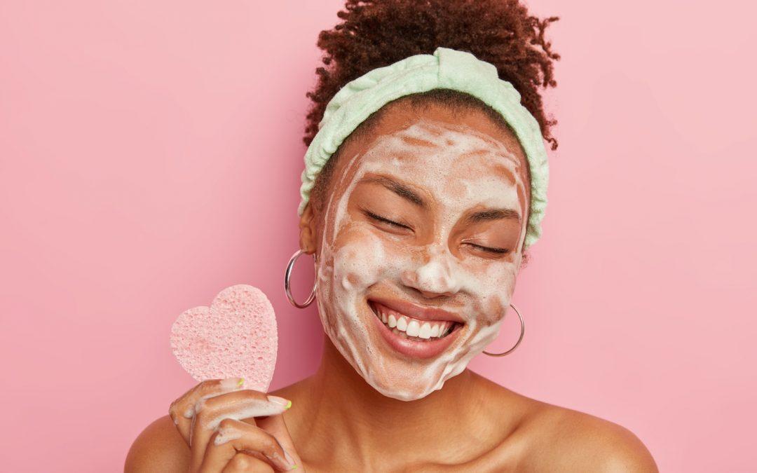 Waarom is dagelijks je huid reinigen belangrijk?